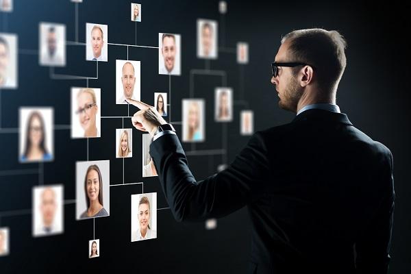 Cacciatori di Teste nell'era digitale, storia di un mestiere in evoluzione