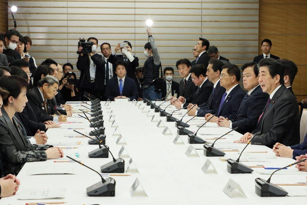 Coronavirus e genitorialità, in Giappone cambia la cultura del lavoro