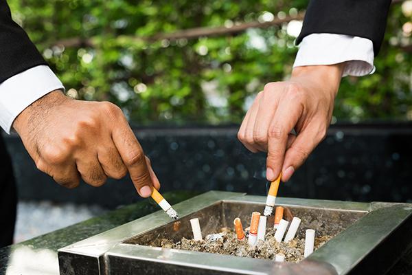 Se il dipendente smette di fumare ci guadagna l'azienda