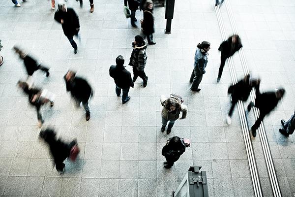 Più occupati (donne) e meno inattivi. Siamo fuori dalla crisi?