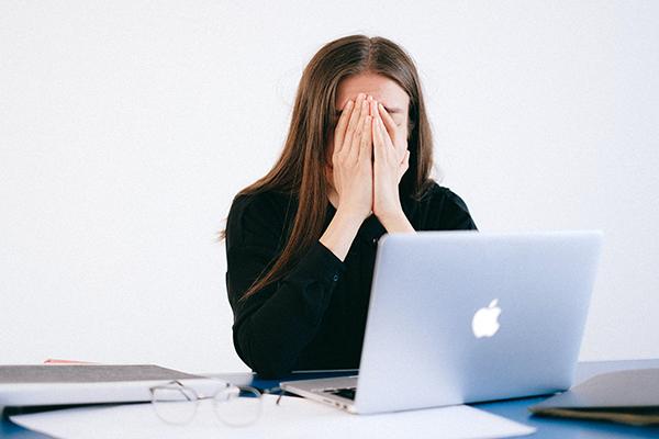 Più che ammalarsi al lavoro, gli italiani temono di rimanerne senza