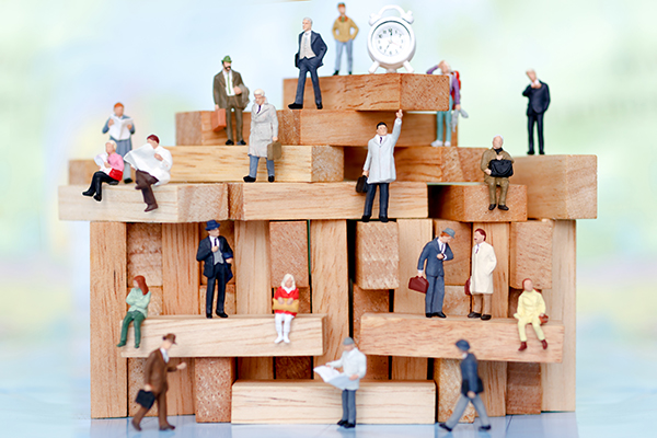 """Dalla crisi della finanza all'organizzazione come """"mondo vitale"""""""