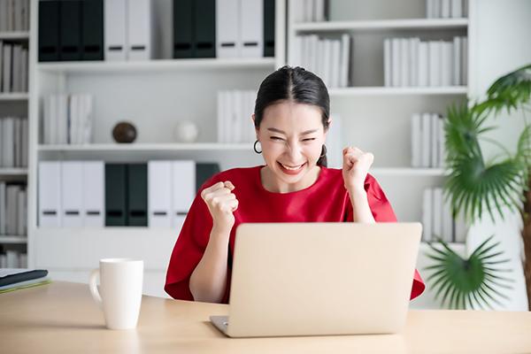 Obiettivi raggiungibili e non lamentarsi: la via per la felicità (non solo in azienda)
