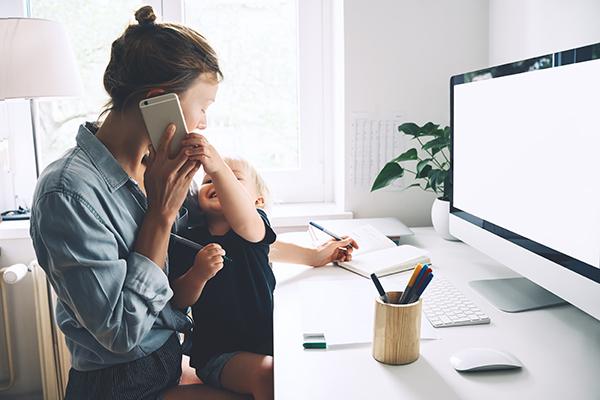 Genitore a tempo pieno diventa un job title (su LinkedIn)