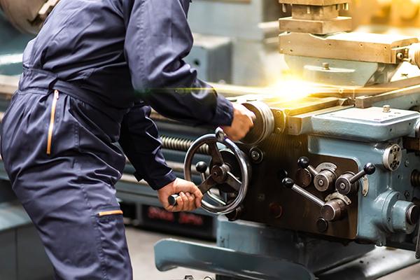 Lasciamo i lavori pericolosi alle macchine e teniamoci il resto