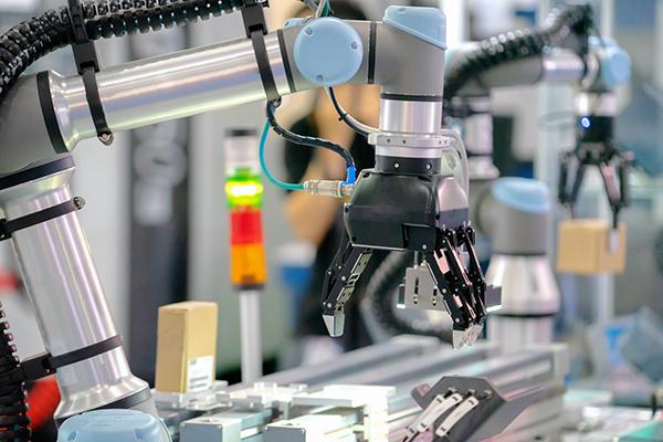 La ripresa e le sfide future dei produttori di macchine utensili, robot e automazione